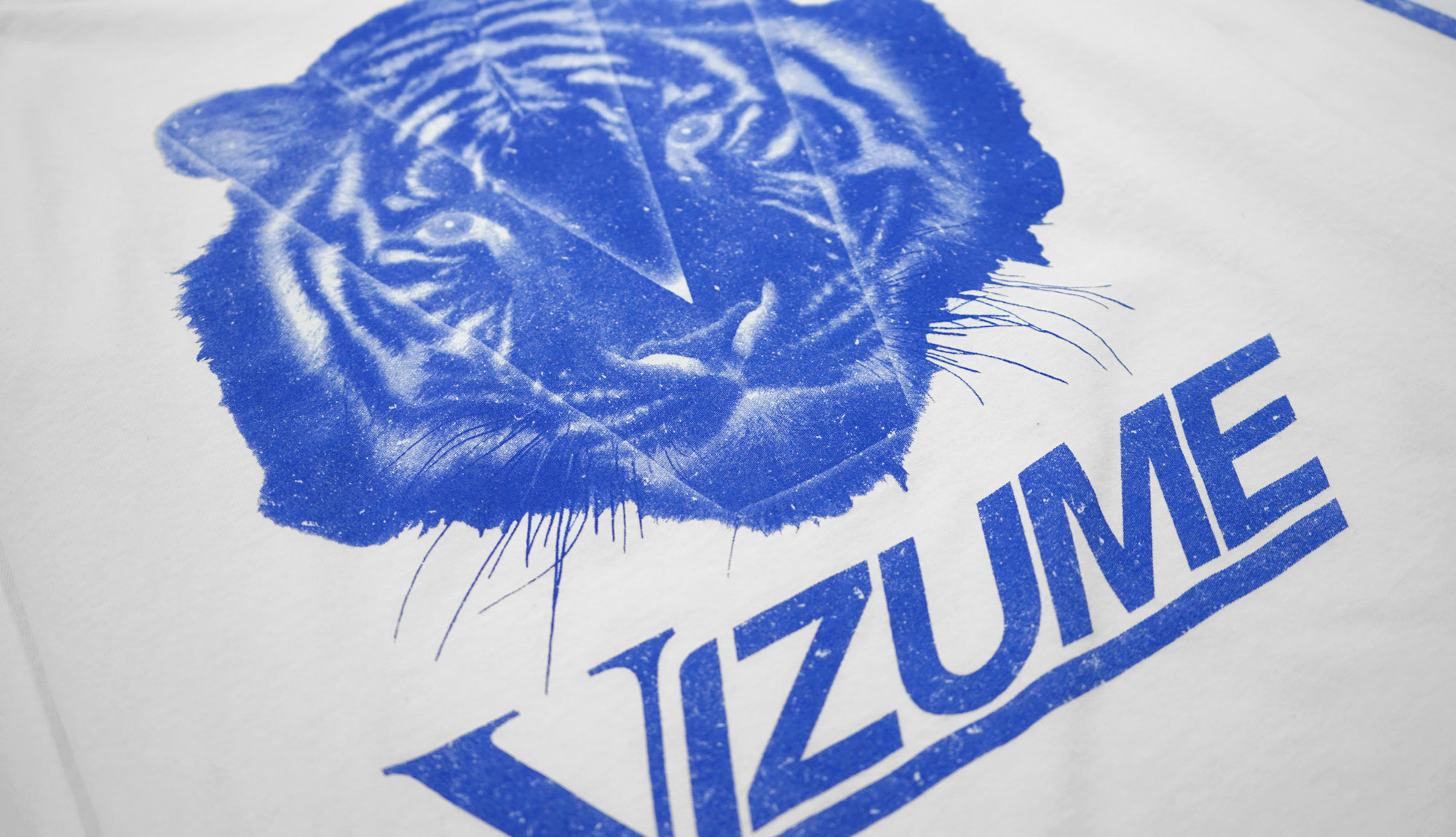 Vizume Tiger Long Sleeve Tee in White